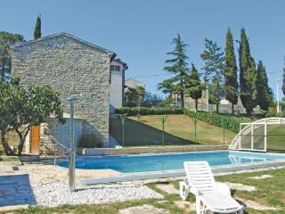 8 bedroom Villa in Zminj Vidulini, Istria, Zminj, Croatia : ref 2044013 - Prkacini vacation rentals