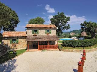 3 bedroom Villa in Pazin Frki, Istria, Pazin, Croatia : ref 2044416 - Cerovlje vacation rentals