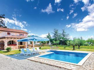 2 bedroom Villa in Porec Kosinozici, Istria, Porec, Croatia : ref 2044654 - Filipini vacation rentals