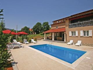 6 bedroom Villa in Senj Crni Kal, Kvarner, Senj, Croatia : ref 2044682 - Lokva vacation rentals