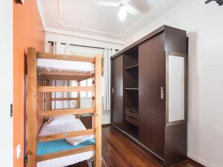 Cama em quarto compartilhado duplo (masculino) - Porto Alegre vacation rentals