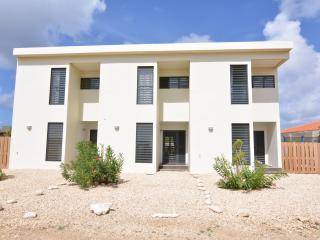 Nice 2 bedroom Kralendijk House with Internet Access - Kralendijk vacation rentals