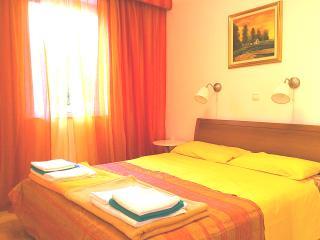 2 bedroom Apartment with Internet Access in Sukosan - Sukosan vacation rentals