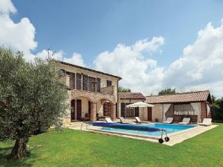 3 bedroom Villa in Visnjan Strpacici, Istria, Visnjan, Croatia : ref 2045689 - Barat vacation rentals