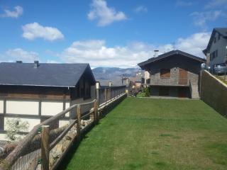 Acogedora vivienda adosada en Err, Pirineo Francés - Err vacation rentals