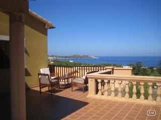 Bright 3 bedroom House in Font de Sa Cala - Font de Sa Cala vacation rentals