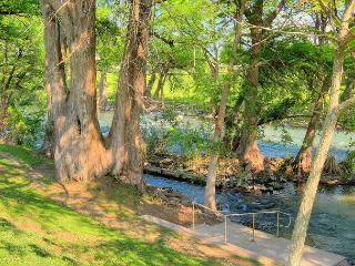 Riverfront! 1 bedroom 1.5 bath! 4 Community Pools! 2 Hot tubs! - New Braunfels vacation rentals
