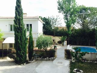 Maison avec de belles prestations 15 mn d'Avignon - Sauveterre vacation rentals