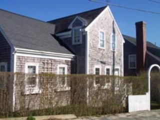 4 Bedroom 4 Bathroom Vacation Rental in Nantucket that sleeps 8 -(7900) - Image 1 - World - rentals