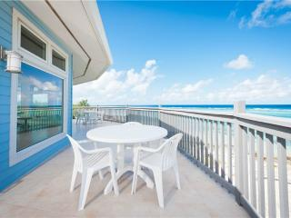 Comfortable Villa in Little Cayman with Deck, sleeps 9 - Little Cayman vacation rentals