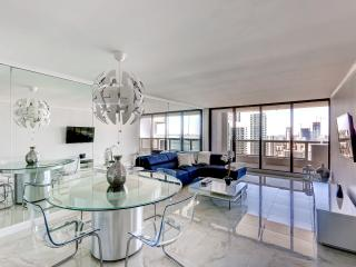 New Listing! Elegant 1BR Downtown Miami Condo w/Private Balcony and Access to Community Pool & Hot Tub - Breathtaking 37th Floor Views of the Ocean and Skyline1 - Miami vacation rentals