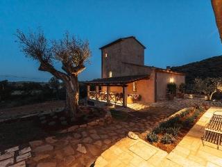 6 bedroom Villa with Internet Access in Baratti di Piombino - Baratti di Piombino vacation rentals