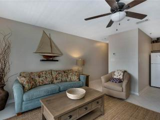 1 bedroom Apartment with Shared Outdoor Pool in Destin - Destin vacation rentals