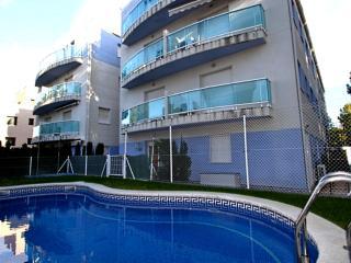 A02 DUPLEX OCEANO gran terraza, barbacoa y piscina - Miami Platja vacation rentals