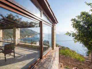 Villa 50mt to the Beach & stunning sea view,3 bedrooms, Wifi, BBQ,great location - Ravdoucha vacation rentals
