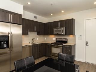 Amazing Two Bedroom In Culver City - Culver City vacation rentals
