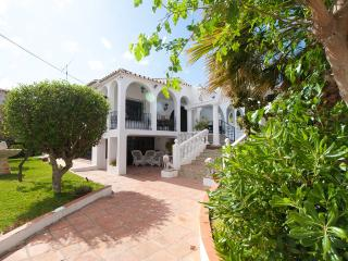 Secluded 6 Bedroom Villa, Wi-Fi, Private Pool + + - Fuengirola vacation rentals