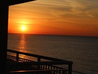 Pristine Ocean Front Myrtle Beach Condo - Myrtle Beach vacation rentals