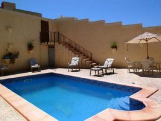 Darta Barrani L'étrangère 8p avec piscine - Qala vacation rentals