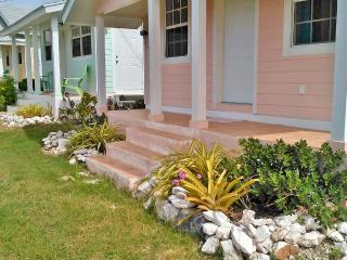 1 bedroom Cottage with Internet Access in Governor's Harbour - Governor's Harbour vacation rentals