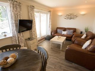 APARTMENT 19, CLIFTON COURT, Nr Croyde | CH2050 - Putsborough vacation rentals