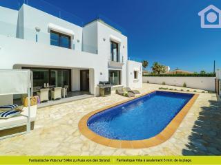 Perfect 3 bedroom La Llobella Villa with Dishwasher - La Llobella vacation rentals
