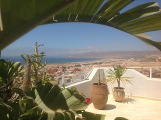 APPARTEMENT DUPLEX AVEC VUE EXCEPTIONNELLE - Tamrhakht vacation rentals