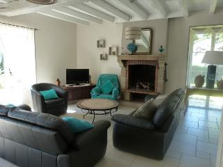 Bright 4 bedroom House in La Roche-sur-Yon - La Roche-sur-Yon vacation rentals