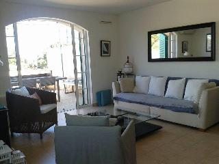 Two bed, two bath Townhouse in Port Grimaud. - Port Grimaud vacation rentals
