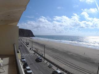 Villa Lunae, Sintra Surf Beach Flat - Colares vacation rentals