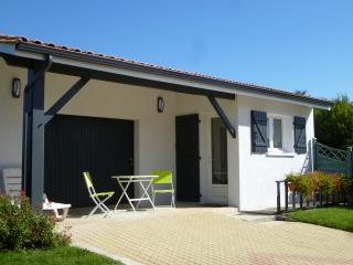Nice Studio with Internet Access and Parking Space - Ordonnac vacation rentals