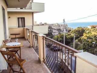 Tropea: Appartamento vista mare in centro - Tropea vacation rentals