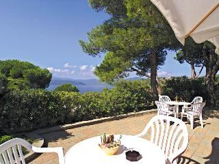 Le Grazie Est - Trilo C1 -  5+1 (on request) - Capoliveri vacation rentals