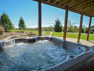 Amazing 4 Bedroom Luxury home with hot tub close to Wisp & area activities! - Oakland vacation rentals