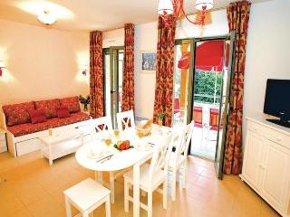 Nice Condo with Dishwasher and Short Breaks Allowed - Gonneville-sur-Honfleur vacation rentals
