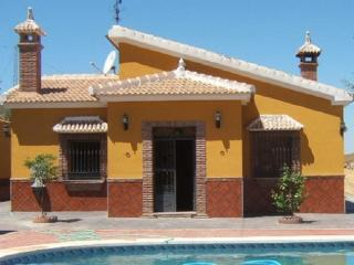 Cozy Villa with Washing Machine and Television - Villanueva del Rosario vacation rentals