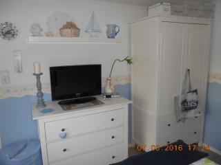 Süßes maritimes Gästezimmer an der Ostsee - Gromitz vacation rentals