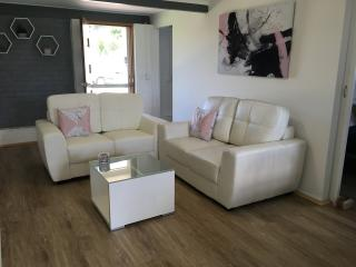 Beautiful 2 bedroom Apartment in Maroochydore - Maroochydore vacation rentals