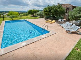 Nice Finca with Internet Access and Shared Outdoor Pool - Inca vacation rentals
