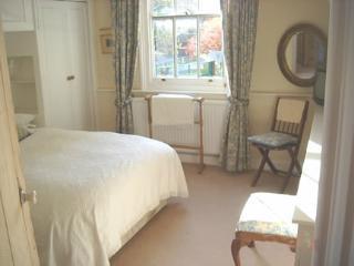 Comfortable 2 bedroom Condo in Guildford with Internet Access - Guildford vacation rentals