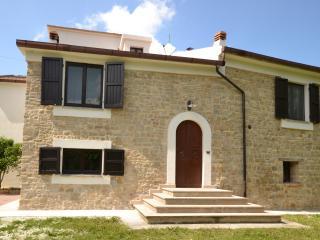 Traditional recently renovated villa - Cingoli vacation rentals