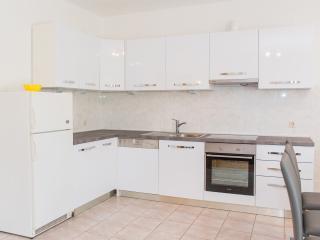 4 bedroom House with Internet Access in Kastel Stafilic - Kastel Stafilic vacation rentals