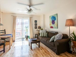 Charming Condo with Internet Access and Linens Provided - Montreal vacation rentals