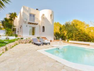 Beautiful 4 bedroom Cala Llonga Villa with Internet Access - Cala Llonga vacation rentals