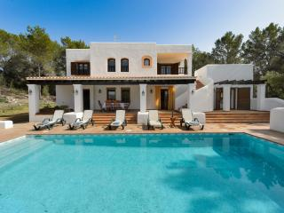 Beautiful Villa with Internet Access and A/C - Sant Antoni de Portmany vacation rentals