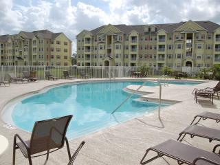 Avalon Palms, Inexpensive Villa with Gym and Jacuzzi - Kissimmee vacation rentals
