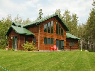 Cozy House with Internet Access and DVD Player - Cornucopia vacation rentals