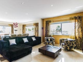 Nice 4 bedroom Villa in Carvoeiro - Carvoeiro vacation rentals