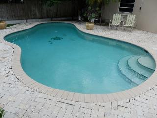 Victoria Terrace. Stunning Victoria Park Waterfront Pool 2 Bedrooms 2 Baths - Fort Lauderdale vacation rentals