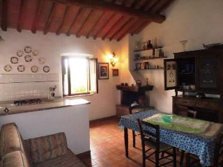2 bedroom House with Parking in Montescudaio - Montescudaio vacation rentals